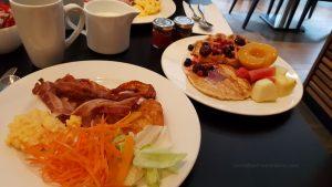 Sniadanie w Hiltonie