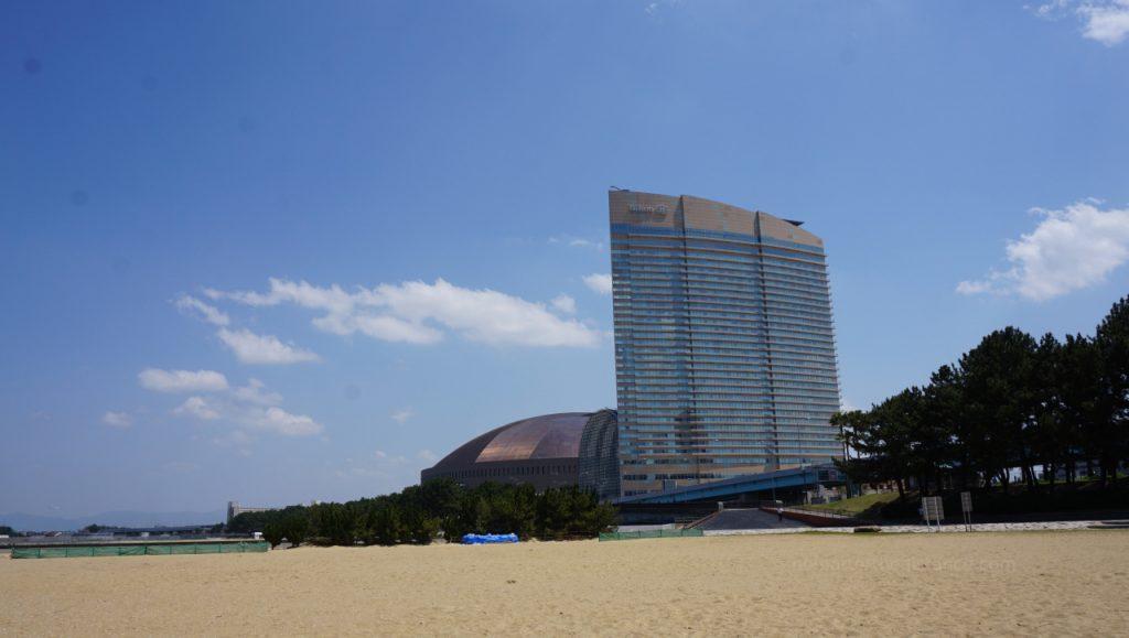 Fukuoka - widok na Hilton z plaży