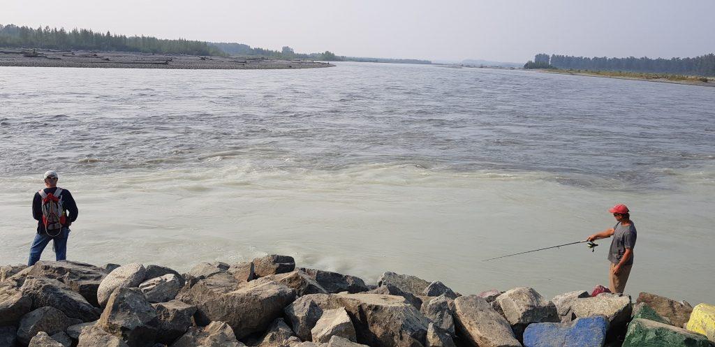 Łowienie łososi - rzeka w Talkeetna