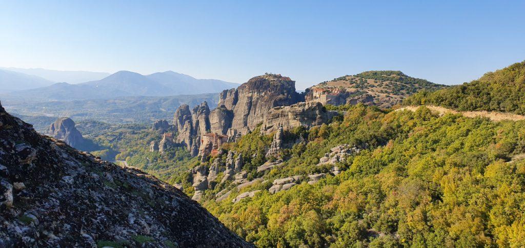 Meteory - cztery klasztory na jednym zdjęciu